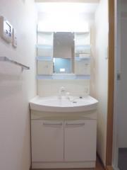 Flat南大泉 1K/3階の玄関 ★玄関シューズBOXは、たっぷり入ります★ ※別室参考写真