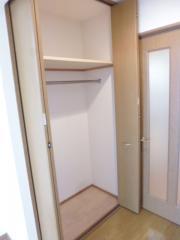 Flat南大泉 1K/3階のその他画像 ★お部屋のクローゼット★ ※別室参考写真