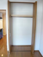 グリーンガーデン・S 1K/2階のその他画像 ★クローゼットは上段棚付き★