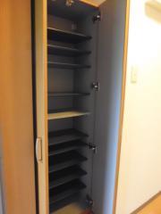 グレースフレア 1K/9階の玄関 玄関には靴箱があります