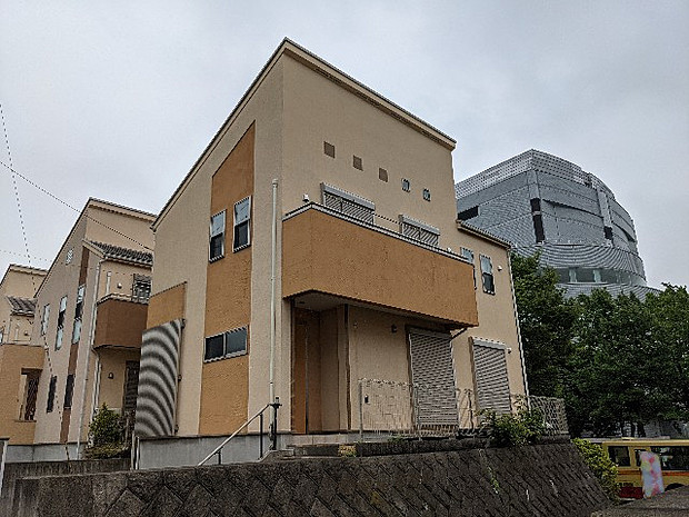 小田急小田原線 本厚木駅よりバス約29分 森の里五丁目バス停下車 徒歩1分