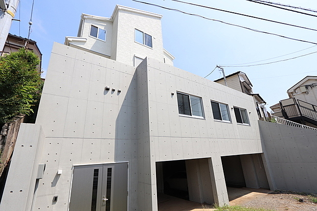 神奈川県横浜市神奈川区三ツ沢上町 一戸建て住宅