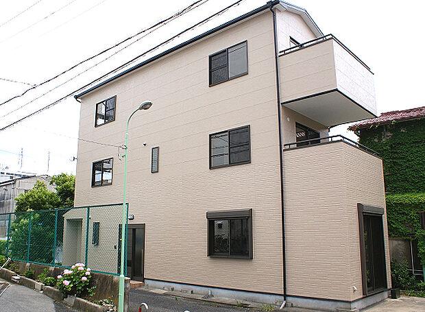 平野区長吉出戸7丁目 鉄骨造4LDK 車庫4台(軽自動車)