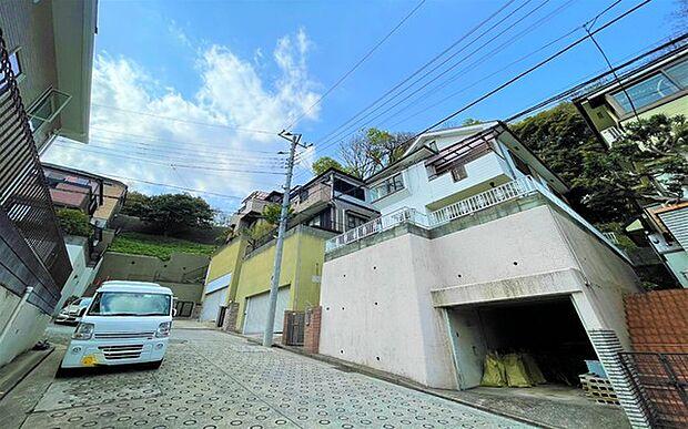 JR京浜東北・根岸線 鶴見駅よりバス約16分 三ツ池公園北門バス停下車 徒歩7分